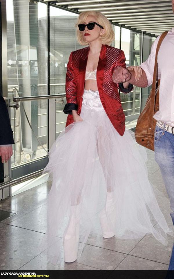 Gaga (maddonesque look?)