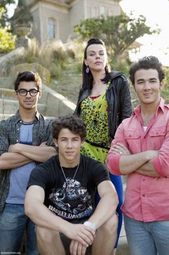 The Jonas Brothers wallpaper titled JONAS LA Ep 3 Stills