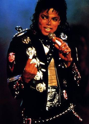 MICHAEL IN konser