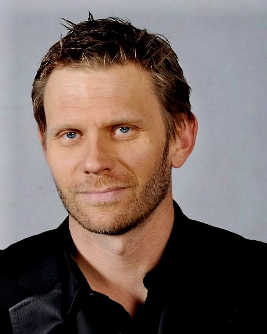 how tall is mark pellegrino