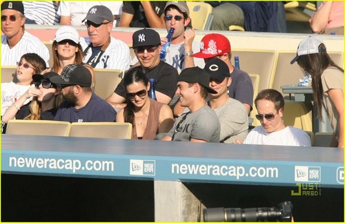 Zac @ Dodgers Game - zac-efron Photo