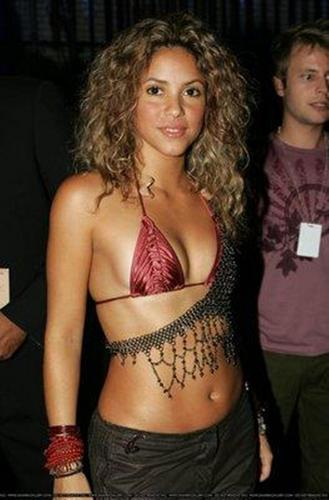 shakira naked......breast