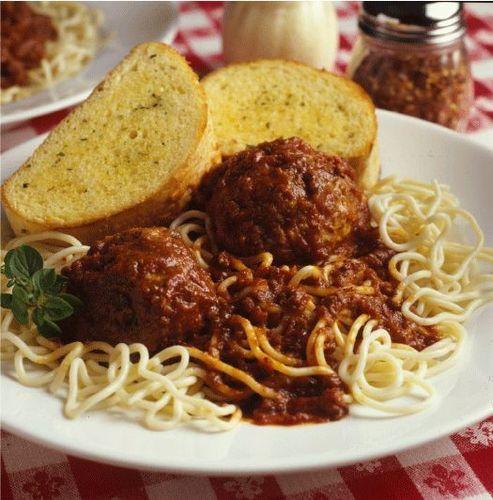 スパゲッティ & meatballs with garlic パン