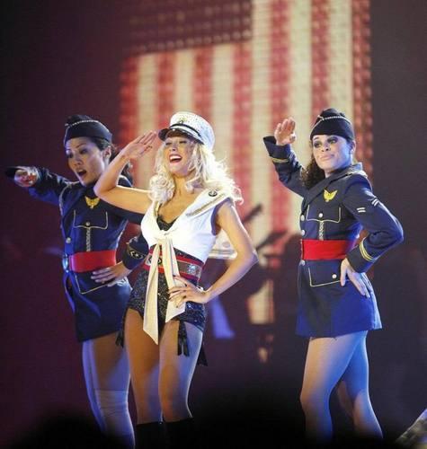 Christina Aguilera Back to Basics tour