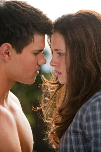 Eclipse (2010) > new Stills