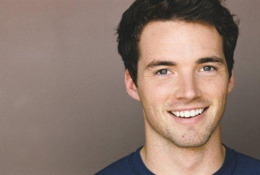 Ian Harding - Picture Colection