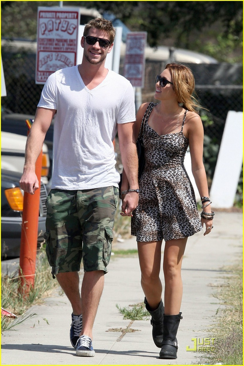 Miley Cyrus: Breakfast Date with Liam Hemsworth