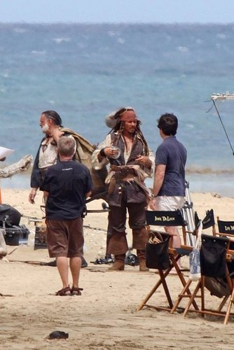 Pirates of the Caribbean 4: On Stranger Tides - First Set 照片 of Johnny Depp