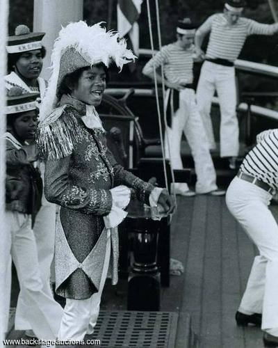 Random MJ