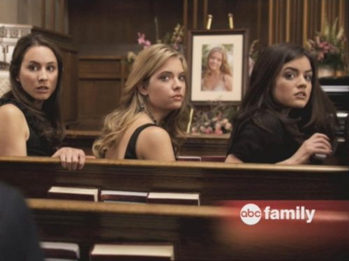 Spencer,Aria,Hanna&amp;Emily  - pretty-little-liars-girls Photo