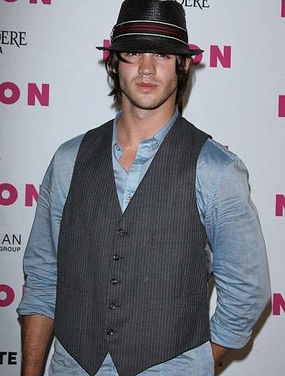 http://images2.fanpop.com/image/photos/13500000/Steven-R-McQueen-the-vampire-diaries-tv-show-13540636-400-528.jpg