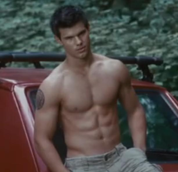 Jacob Black Official Gallery Dogboy-taylor-lautner-13572275-613-592
