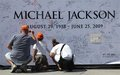 * MICHAEL JACKSON'S AWESOME FANS * - michael-jackson photo