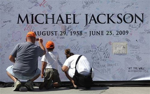 * MICHAEL JACKSON'S AWESOME fans *