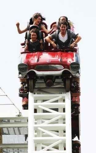 Out at Thorpe Park in Surrey, England 7/8