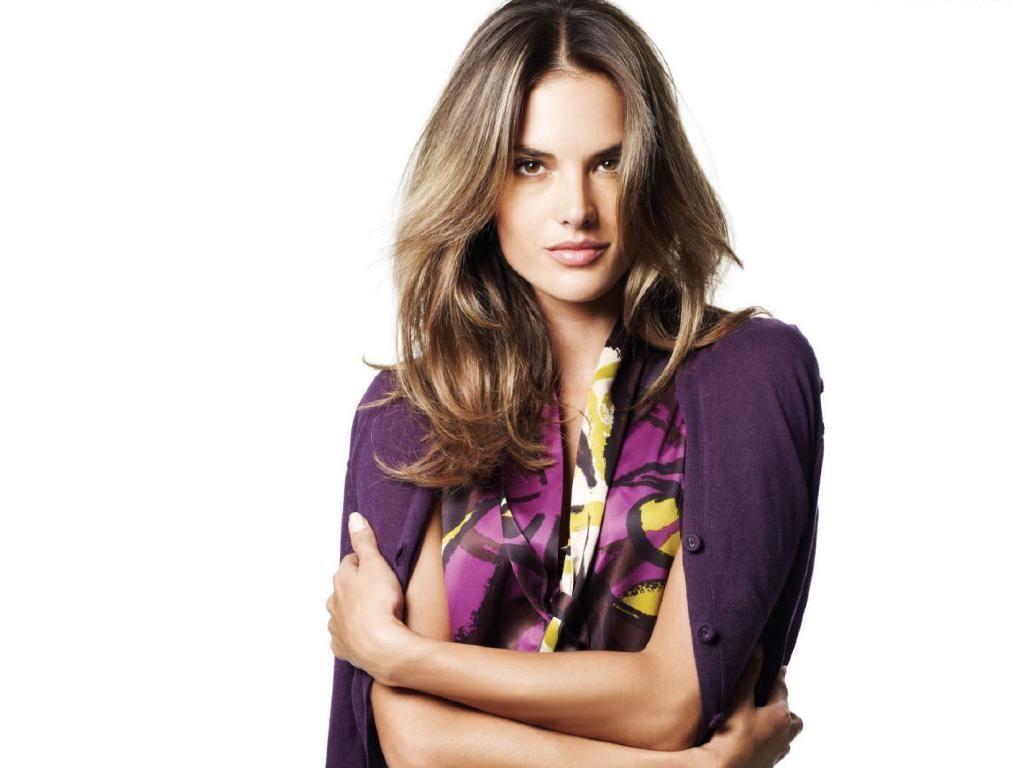 Alessandra Ambrosio im... Alessandra Ambrosio Photos