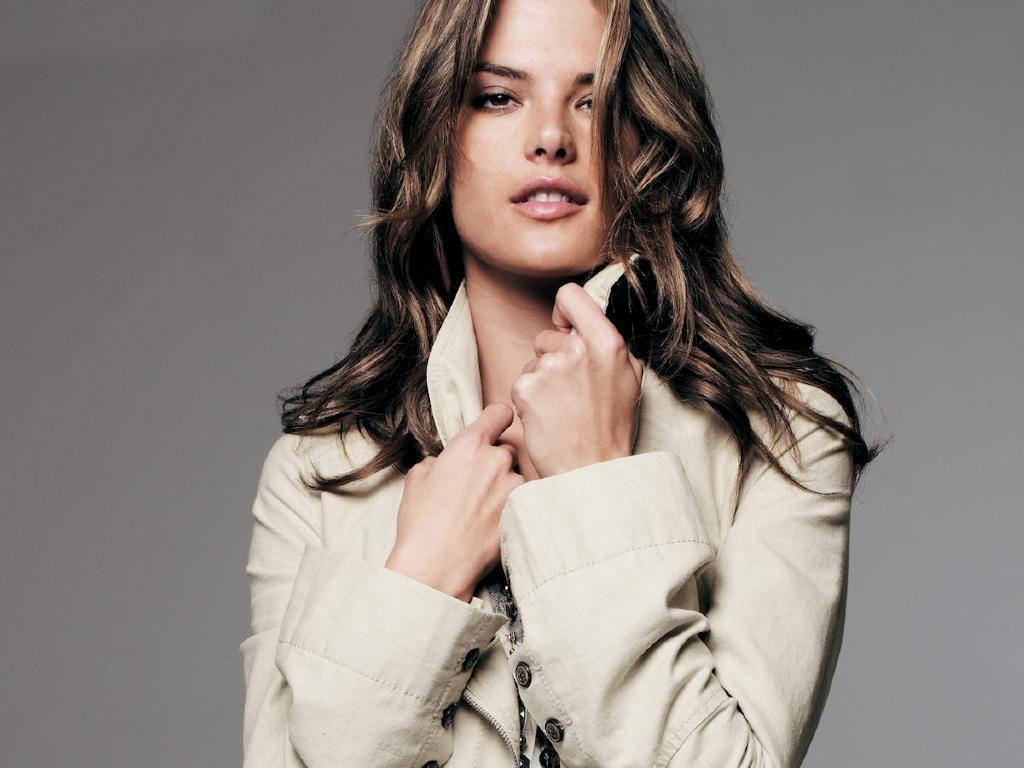Alessandra Ambrosio - Alessandra Ambrosio Wallpaper ... Alessandra Ambrosio Pics