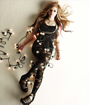 http://images2.fanpop.com/image/photos/13600000/Avril-Lavigne-avril-lavigne-13605267-360-426.jpg
