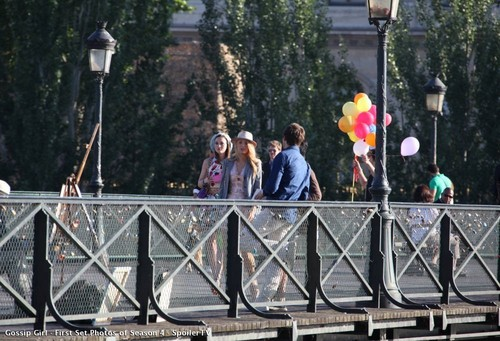 Blake and Leigh on set in paris filiming s4