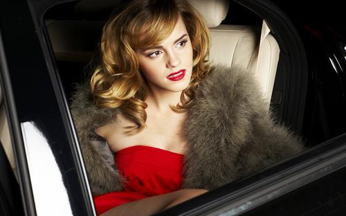 Emma Watson wolpeyper entitled Emma Watson