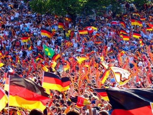 German شائقین