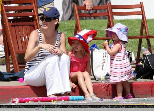 Jen, Violet and Seraphina Celebrate 4th of July!