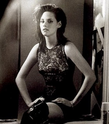 KIRSTEN STEWART LOOKING GOOD IN ELLE