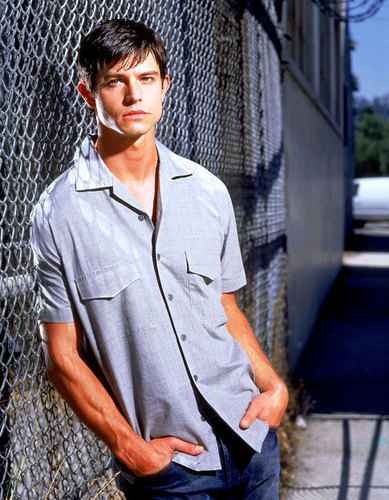 Roswell wallpaper entitled Max: season 2 promotional photos