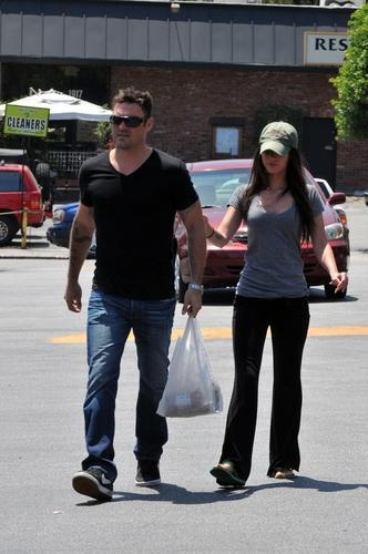 Megan & Brian shopping in Glendale
