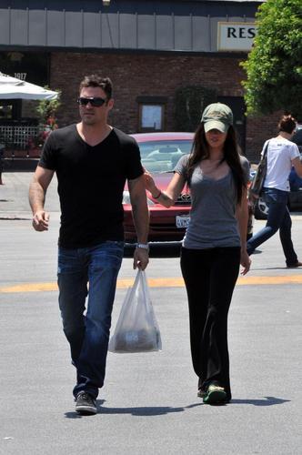Megan & Brian shopping in Glendale