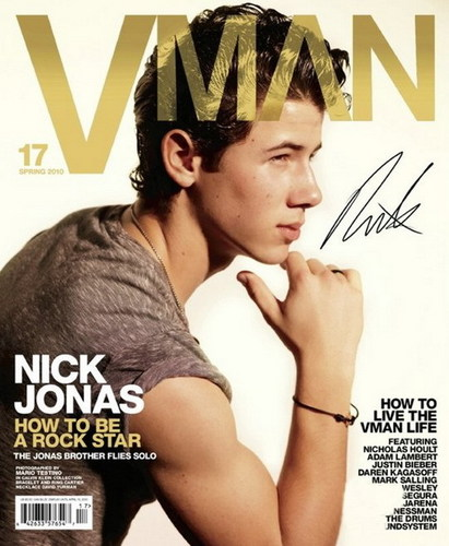 NICK JONAS LOOKING FIT