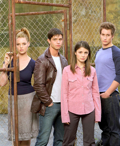 Roswell wallpaper called Promotional Photos season 1, cast