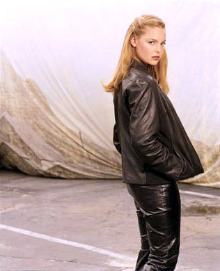 Roswell wallpaper called Promotional Photos season 1, isabel evans
