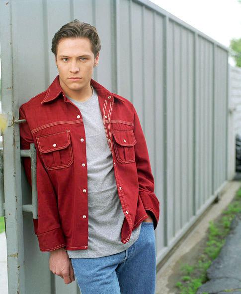 Promotional 사진 season 1, kyle valenti