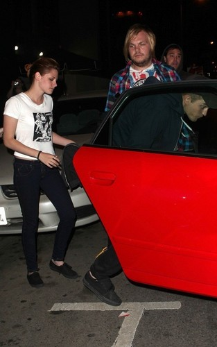 Robert and Kristen out in LA (July 6)