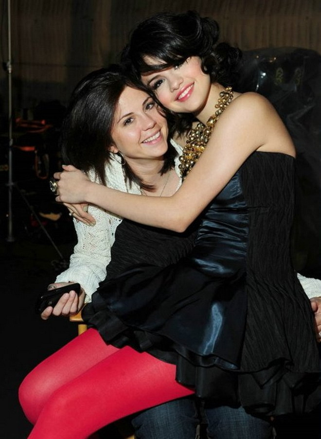Download Selena Gomez Naturally Mp3