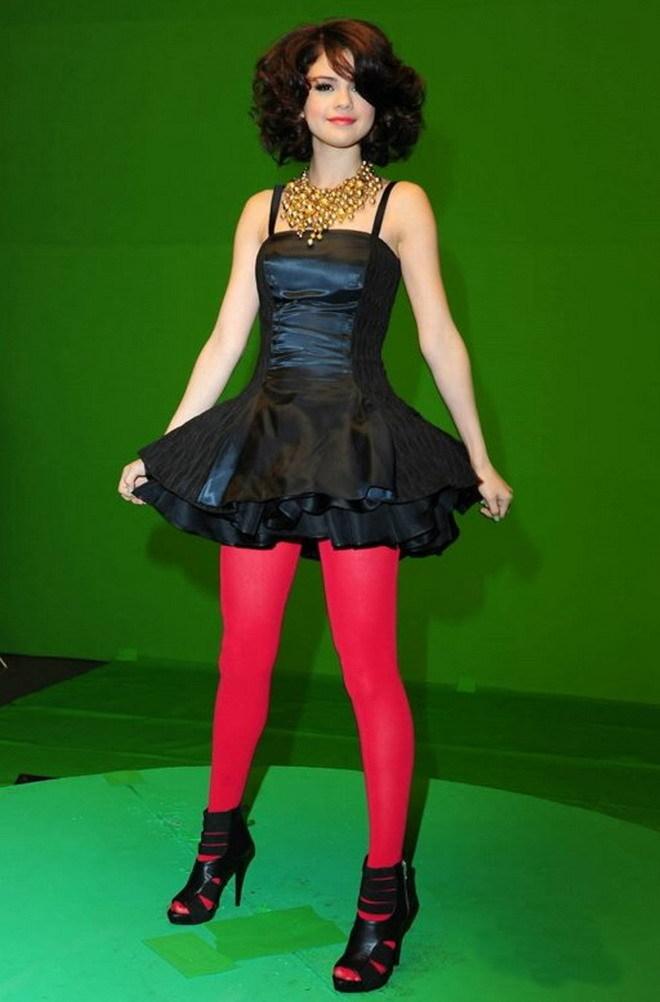 Selena gomez images selena 39 s outfits for 39 39 naturally 39 39 wa - Selena gomez naturel ...