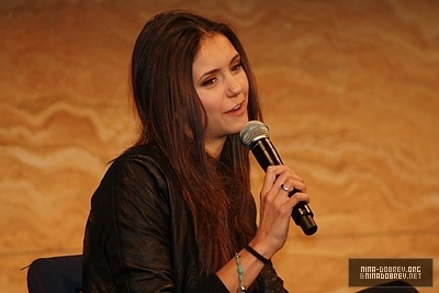 http://images2.fanpop.com/image/photos/13600000/TVD-Convention-Sydney-Australia-the-vampire-diaries-tv-show-13603339-400-267.jpg