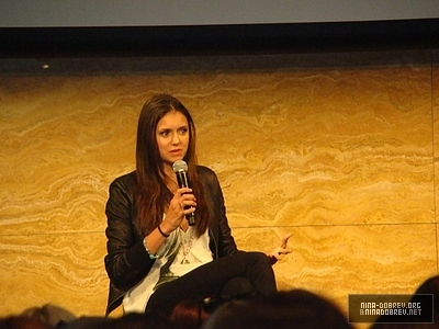 http://images2.fanpop.com/image/photos/13600000/TVD-Convention-Sydney-Australia-the-vampire-diaries-tv-show-13603354-400-300.jpg