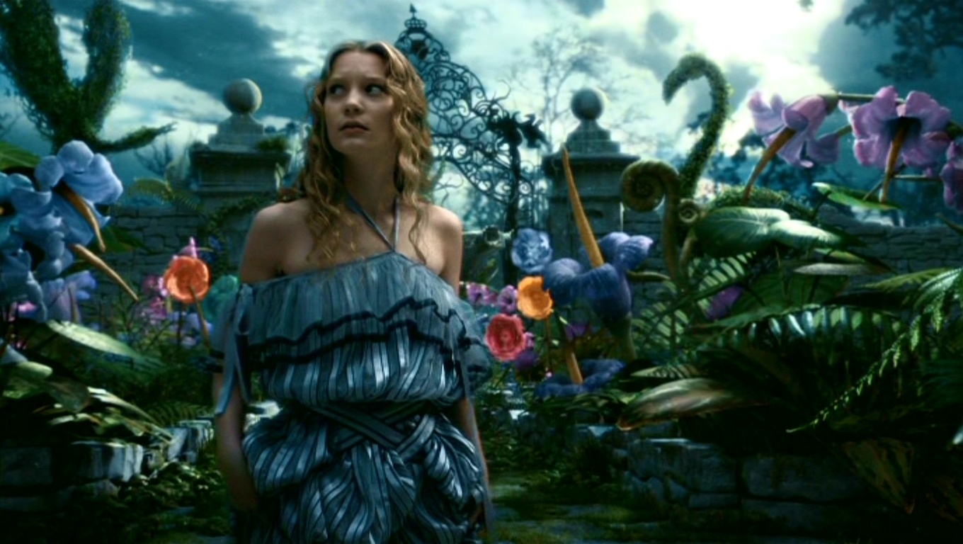 Alice in wounderland the movie 2010