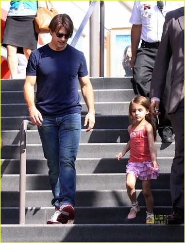 Tom Cruise, Katie Holme & Suri Cruise : Westfield Mall Shopping Spree!
