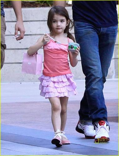 Tom Cruise, Katie Holme & Suri Cruise : Westfield Mall Shopping Spree!