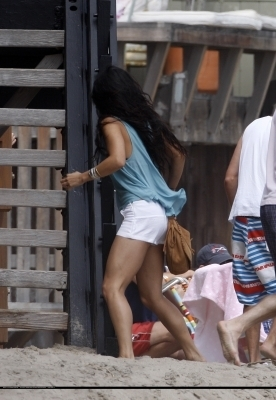Vanessa & Zac Celebrate The 4th of July in Malibu