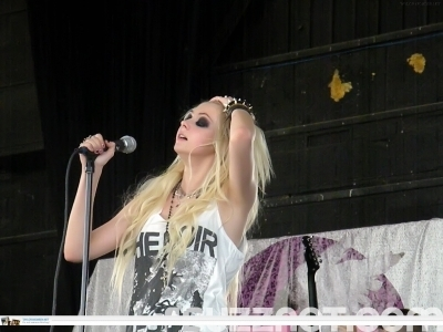 Vans Wrapped Tour 2010 - The Pretty Reckless
