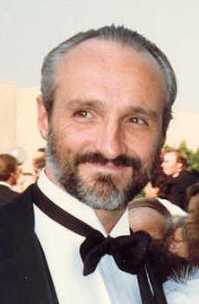 dad, Steven Keaton, played by Michael Gross - family-ties Photo