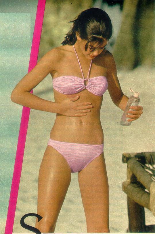 Phoebe cates bikini