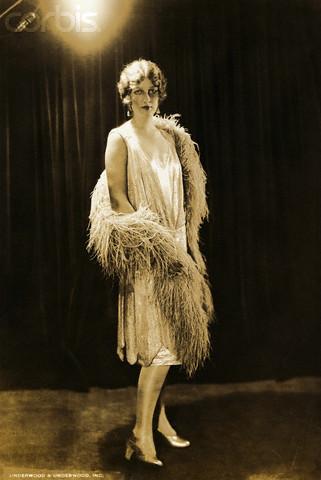 the 1920s FASHION The-1920s-1920s-13690848-321-480