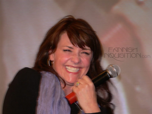 Amanda Tapping 壁纸 titled Amanda Tapping