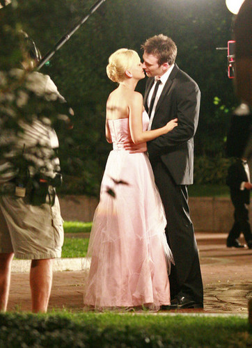 "Chris and Anna Faris film ""Whats Your Number?"""