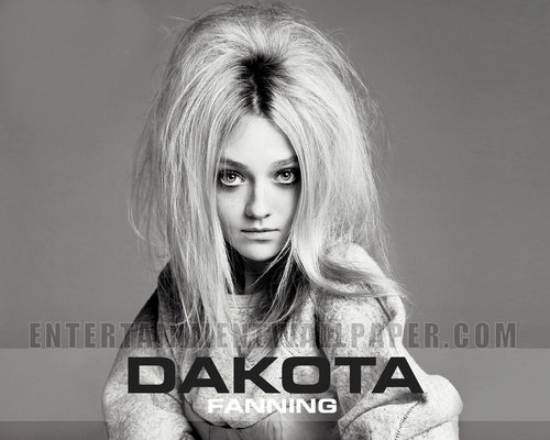 D F - dakota-fanning Wallpaper